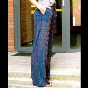 High waist Zara sheer Palazzo pant w pockets!